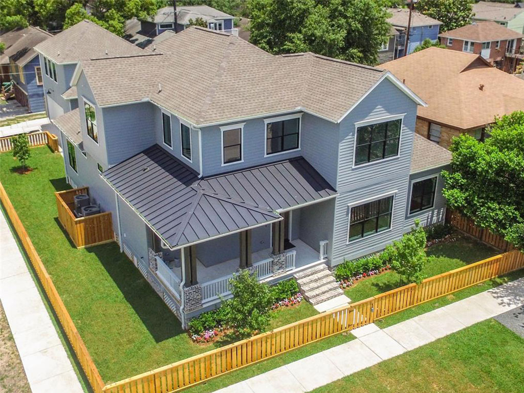 Stunning new construction in the heart of the Heights with Master down, custom finishes throughout, chef's island kitchen and flex space above garage.