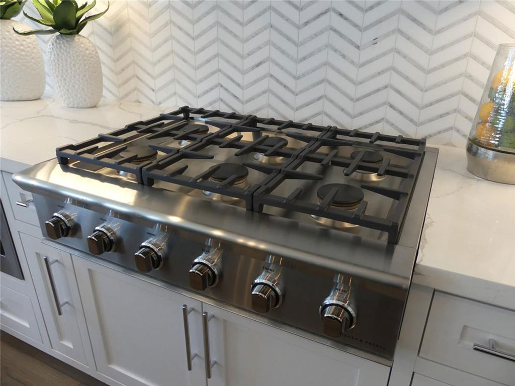 Fisher and Paykel 6 burner gas stove.